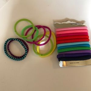 Bundle of hair ties / pony tails